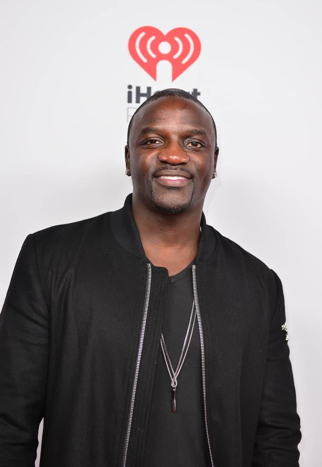 Akon veruje da je za narušeno rihičko zdravlje Kanye Westa kriva 'kletva Kardsahianki' (foto: Wenn)