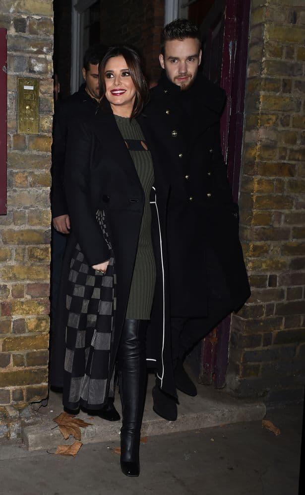 Par pre nekoliko dana u Londonu kada je pevačica pokazala prvi put trudnički stomak (foto: Wenn)