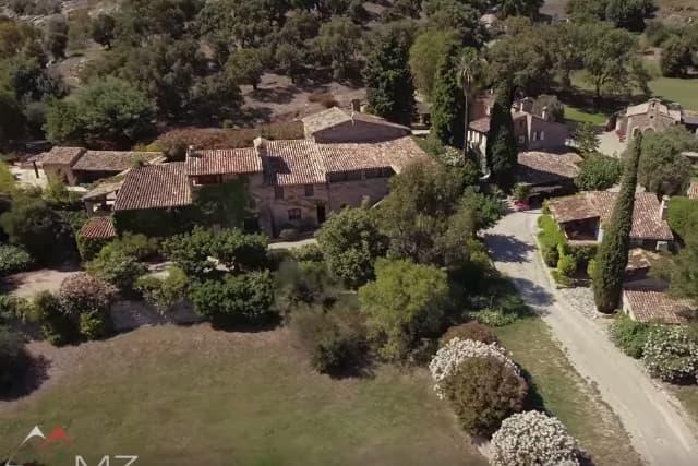 Zavirite u velelepno imanje Johnny Deppa u Francuskoj  Tračara