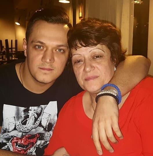 Nenad sa majkom Gocom (foto: Instagram/zokagasttozz)