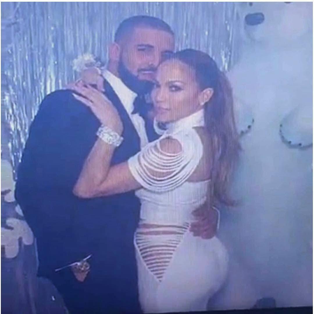 J.Lo sa novim dečkom Drakeom u haljini Meline Džinović (foto: Screenshot)
