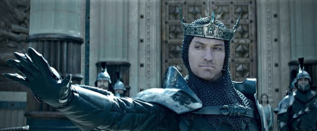 Jude Law kao Vortigern (foto: imdb)