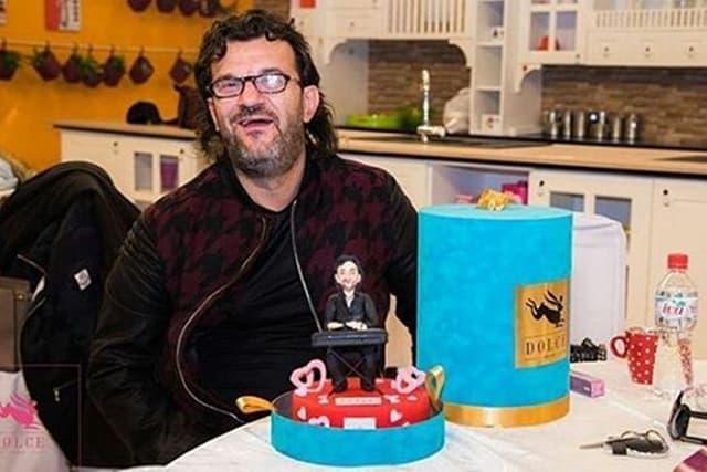 Aca sa mini Lukasom na torti (foto: Instagram.com/aleksandar_vuksanovic_official/)