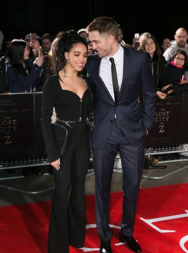 Robert sa verenicom na premijeri u Londonu (foto: Wenn)
