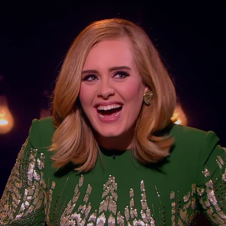 Sa lažnog naloga piše ono što ne bi mogla kao Adele (foto: Screenshot)