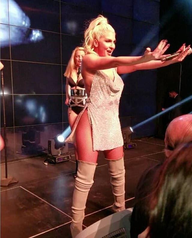 Karleuša na nastupu u Njujorku (foto: Screenshot)