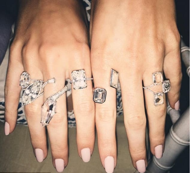 Nedavno se pohvalila vrednim komadima dijamantskog prstenja (foto: Instagram/kendalljenner)