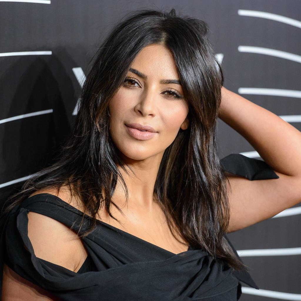 Kim ima savršenu dugu kestenjastu kosu (foto: Wenn)