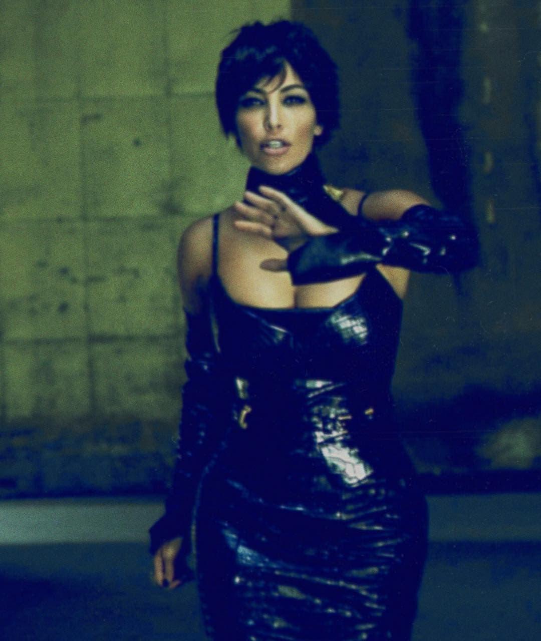 Kim kao Kris (foto: Instagram/kimkardashian)