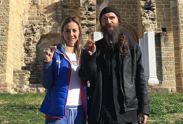 Našla duhovni mir u obilasku manastira (foto: Instagram/milicamrvica)