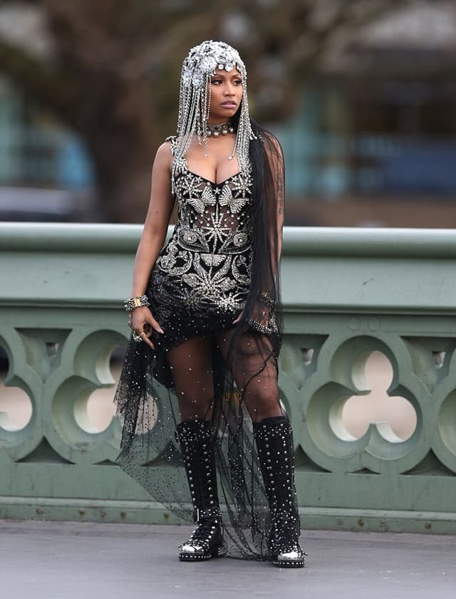 Nicki na snimanju novog spota u Londou (foto: FameFlyNet)