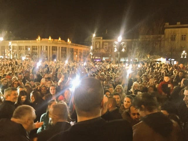 Kadar sa protestnog koncerta u Smederevu (foto: Twitter/VladoGeorgiev)