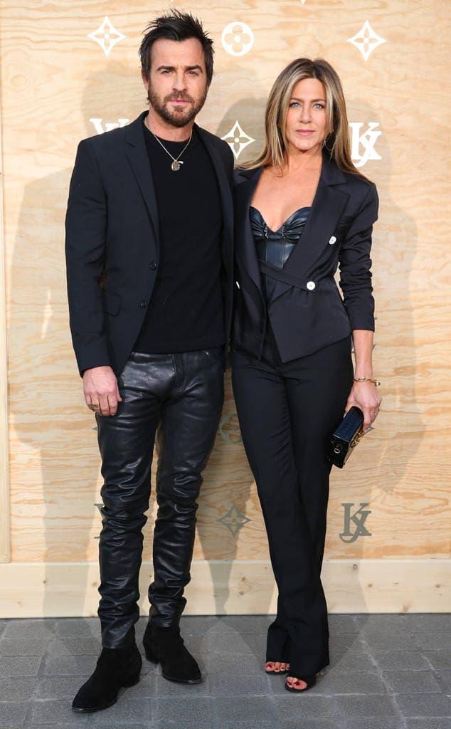 Jenn i Justin u usklađenim odevnim kombinacijama (foto: LouisVuitton)