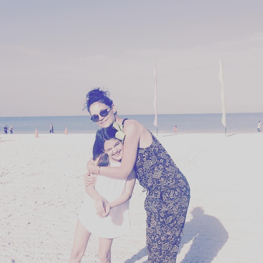 Katie sa ćerkicom Suri (foto: Instagram.com/katieholmes212)