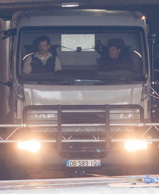 Henry Cavill i Tom Cruise na snimanju MI:6 (foto: Wenn)