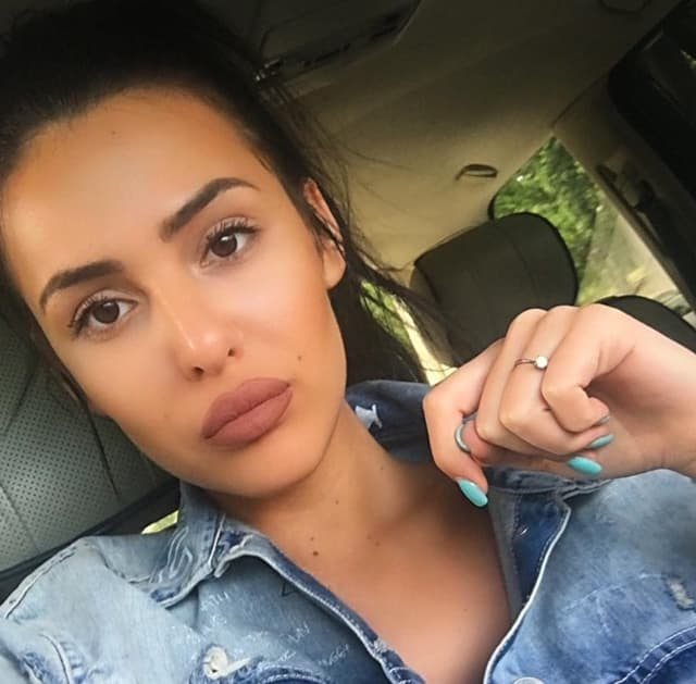 Anastasija zatražila pomoć zbpg lažnog profila (foto: Instagram.com/raznatovicanastasija)