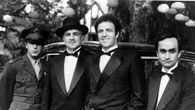 Braća Michael, Sonny i Fredo sa ocem, Vito Corleoneom (foto: Fanpop)