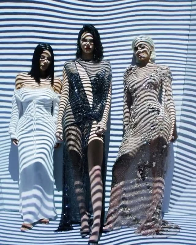 Kim, Kylie i Kendall (foto: Instagram.com/voguemagazine)