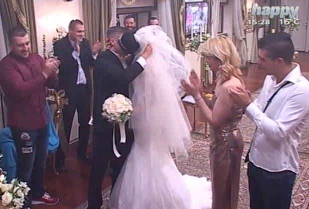 Aleksandra i David su se venčali u rijalitiju u nedelju (foto: Screenshot)