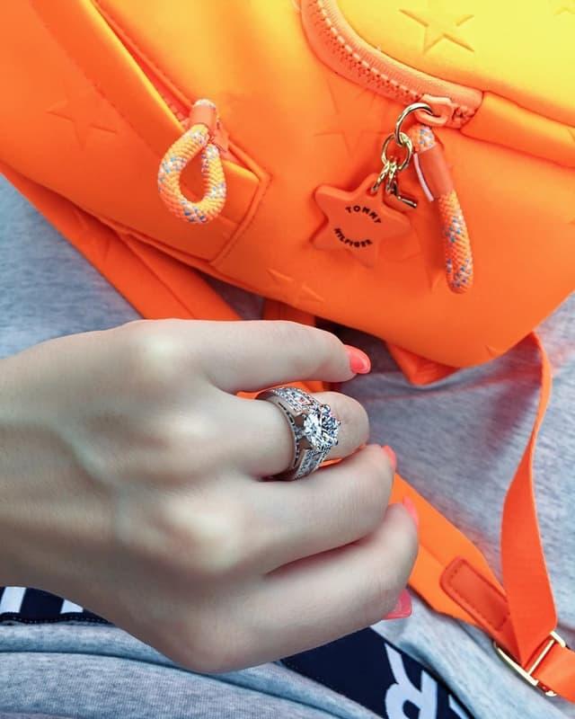 Starleta se pohvalila ogromnim prstenom (foto: Instagram.com/stanijadobrojevic)