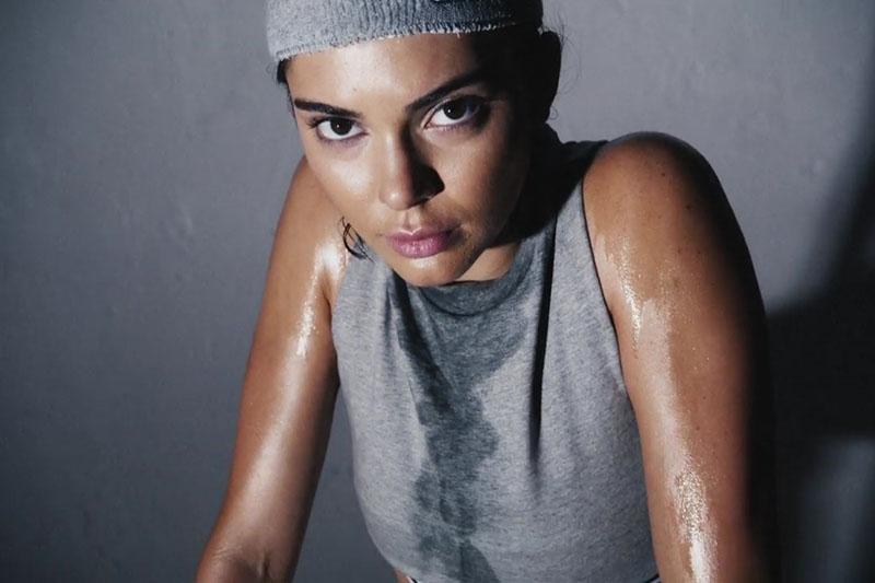 Kendall-Jenner-kao-Rocky-na-snimanju-kalendara