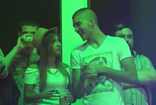 Brzo preboleo Mašu - Veljko sa novom devojkom! (foto: Kurir)