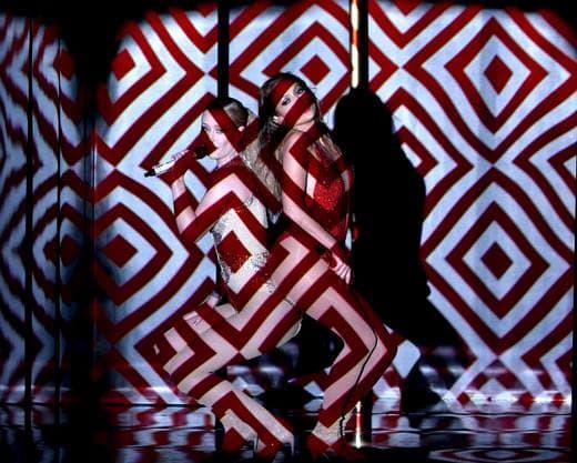 J.Lo i Iggy Azalea izvode Booty, a u nastup se i uključio Pitbull koji je prvi snimio ovu pesmu sa Lopezovom (foto: Facebook)
