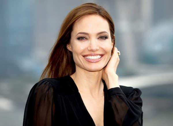 Angelina Jolie ( foto: Suggest )