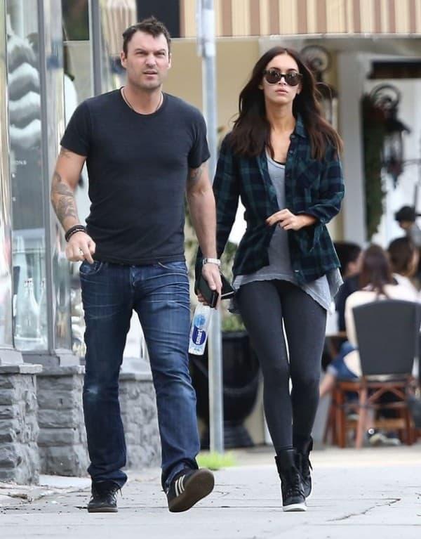 Sa mužem u šetnji ( foto: Mirror )