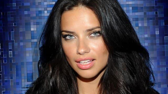Adriana je u vezi sa turskom TV zvezdom? (foto: Hollowverse)