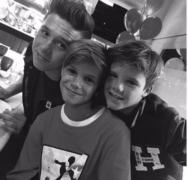 Nasmejana braća na proslavi Romeovog rođendana (foto: Instagram)