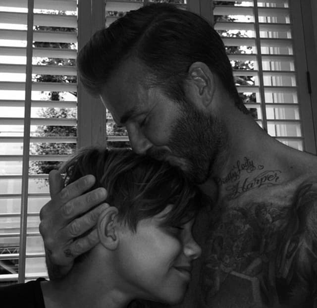 Otac i sin u emotivnom zagrljaju (foto: Instagram)