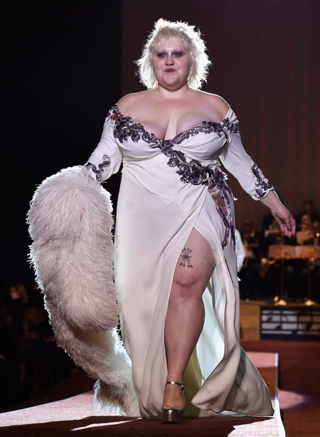 marc-jacobs-beth-ditto