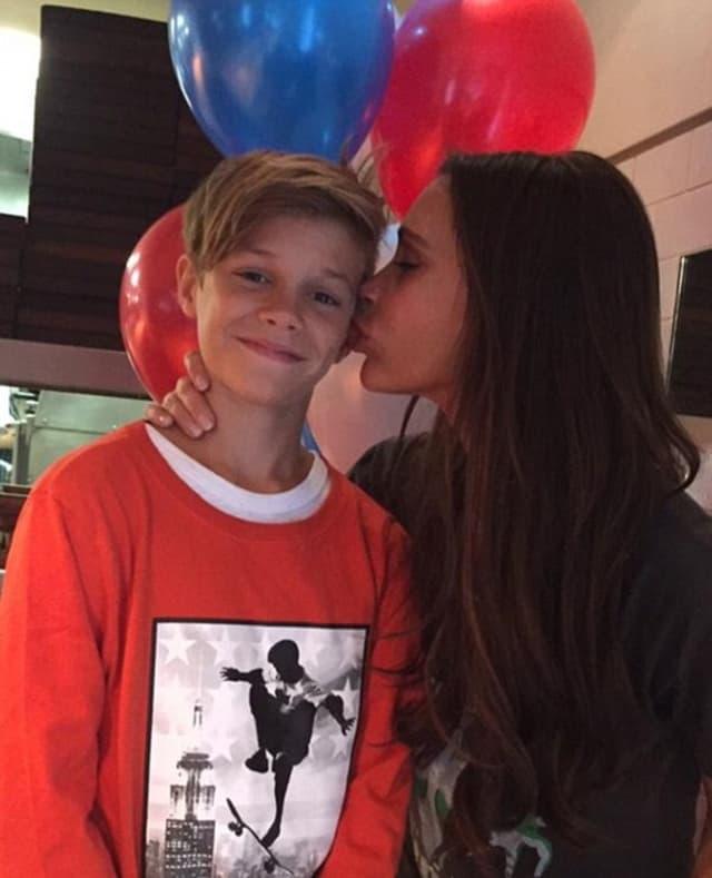 Majka Victoria ljubi svog sina na fotografiji kojom mu je poželela srećan rođendan (foto: Instagram)