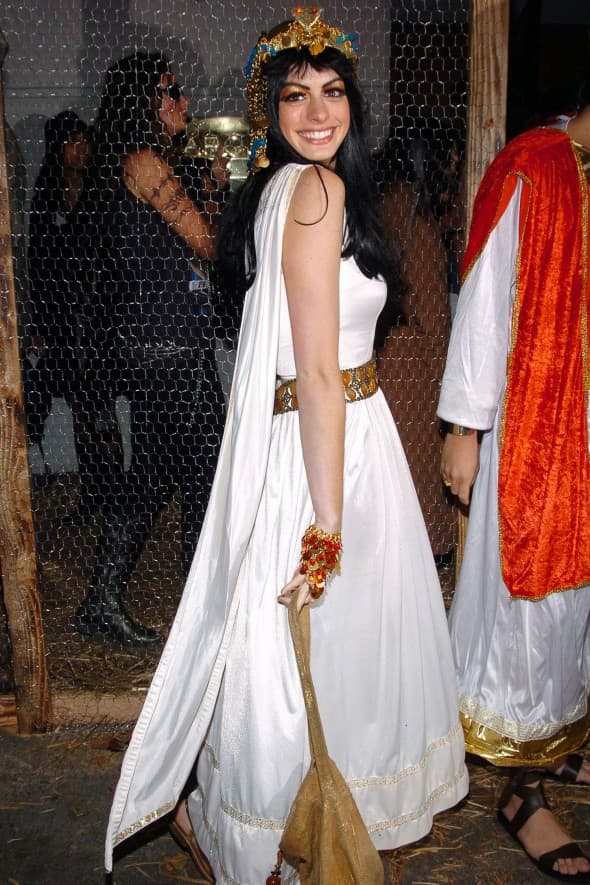 Anne Hathaway kao egipatska boginja (foto: WENN)