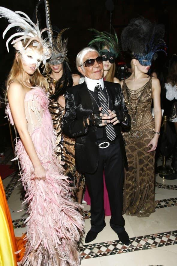 Roberto Cavalli kao Karl Lagerfeld 2007. godine (foto: WENN)
