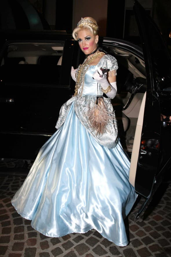 Gwen Stefani kao Pepeljuga 2011. godine (foto: WENN)