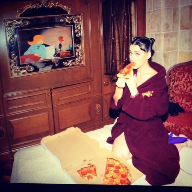 Katy obožava picu (foto: Instagram)