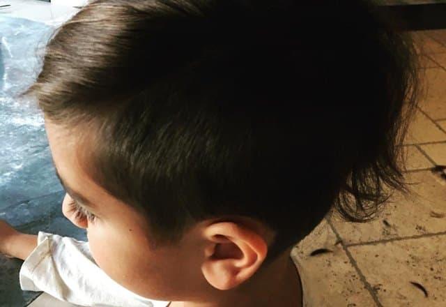 Ko je birao ovaj friz, mama ili sin? (foto: Instagram)