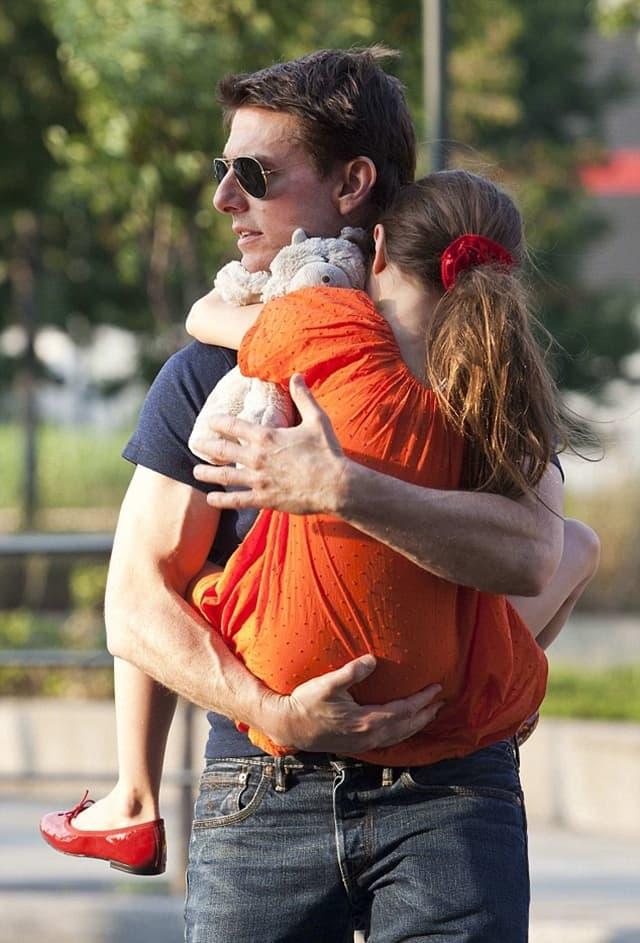 Tom je sa ćerkom Suri poslednji put fotografisan 2013. godine (foto: Reuters)
