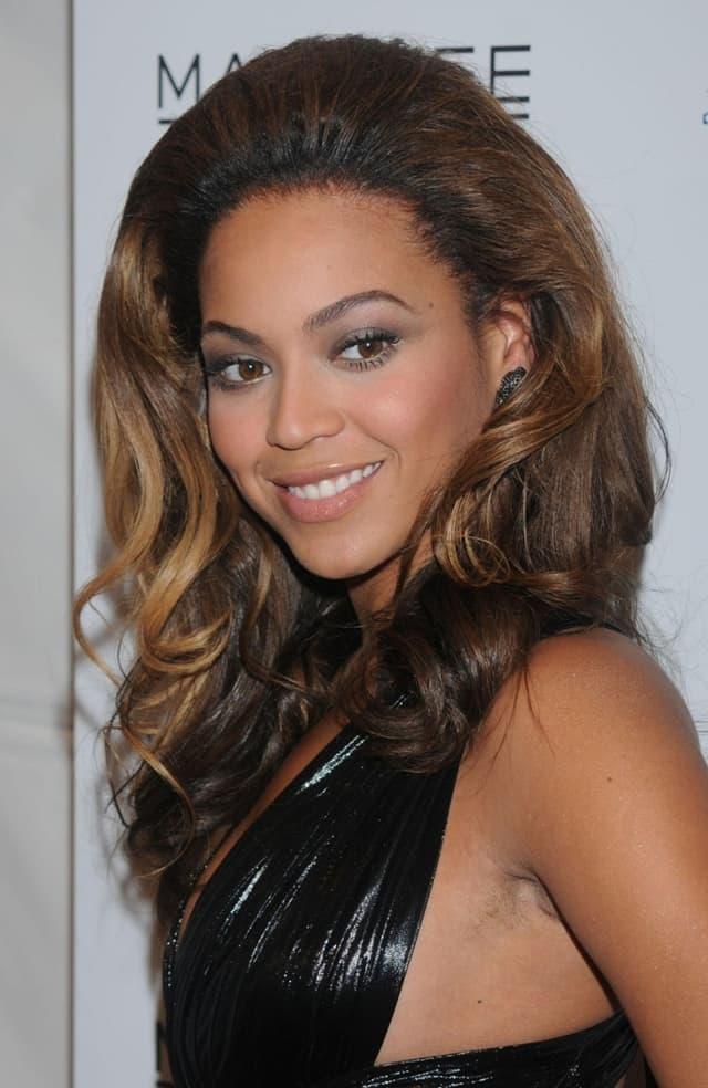 Beyonce-armpit-hair