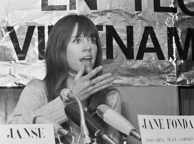 Jane je u mladosti bila posvećeni kativista u borbi protiv kapitalizma