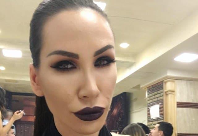 Vamp izgled ili vampirski izgled? (foto: Instagram)