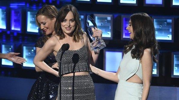 Glumica je imala manji peh sa garderobom (foto: Chris Pizzello, Invision/AP)