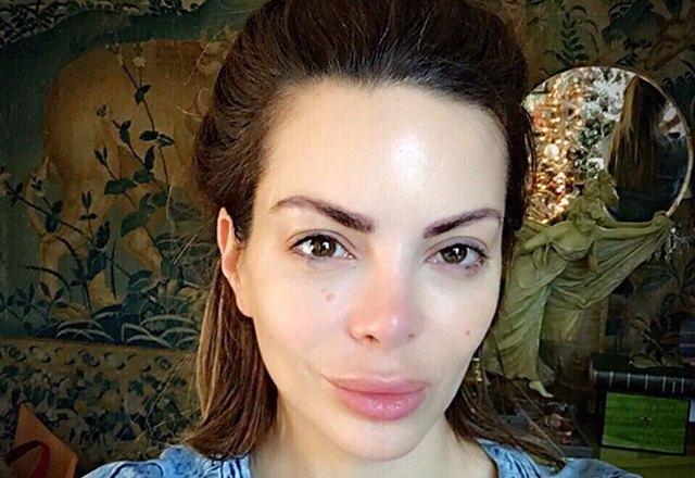 Ovako voditeljka izgleda bez trunke šminke (foto: Instagram)