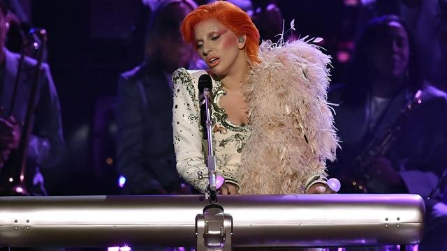 Gaga je sinoć na Grammyju odala počast svom idolu, ali nisu svi bili zadovoljni njenim nastupom (foto: Screenshot)
