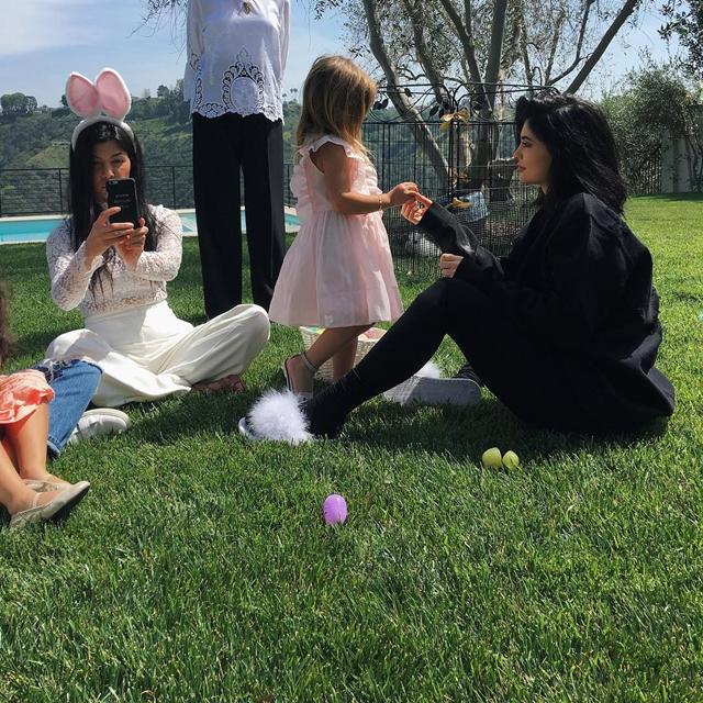 Uskrs u porodici Kardashian (foto: Instagram)