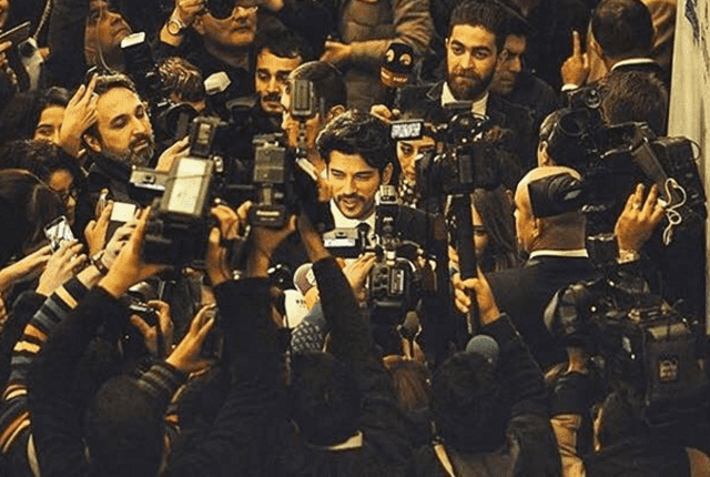 Burak u masi novinara u Novom Pazaru ( foto: instagram )