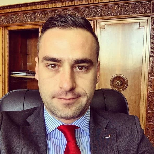 Aleksandar, političar čijem šarmu nije uspela da odoli mlada Helena (foto: Instagram)