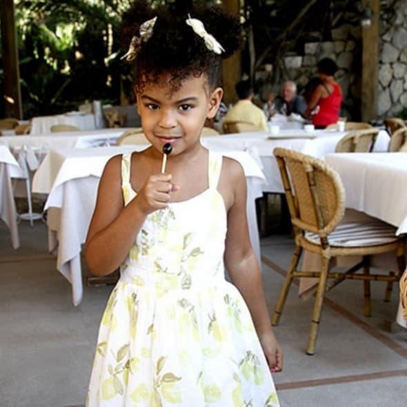 Na proslavi svog rođendana obukla je haljinicu koja košta samo 10 dolara